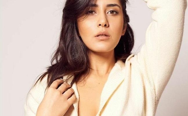 Raashi Khanna Signs A Bollywood Project