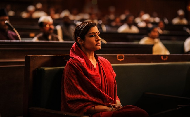 Pic Talk: Raveena Tandon's look from KGF: Chapter 2