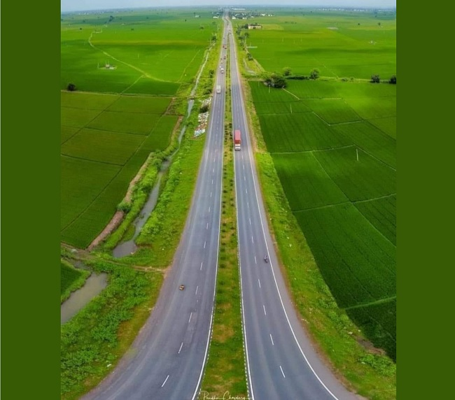Viral Pic Of The Week: What A Road!