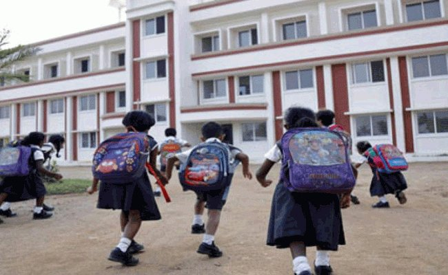 2 lakh pvt school students in AP shift to govt schools