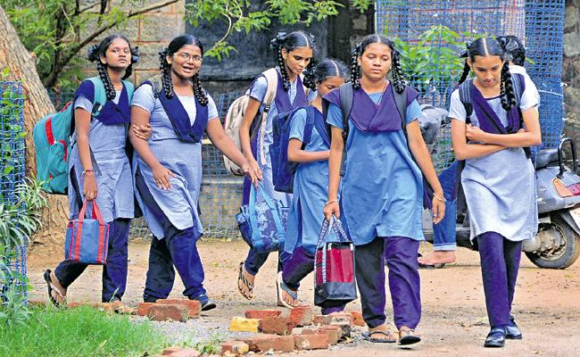 Schools reopen in Andhra Pradesh after 5 months ...