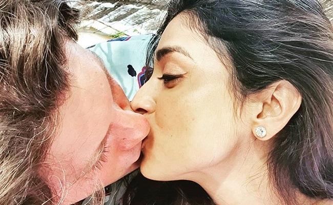 Pic Talk: Sensuous Liplock With Husband