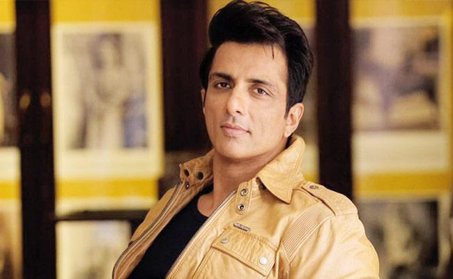 'Real Hero' Sonu Sood Turns Villain For Producers!
