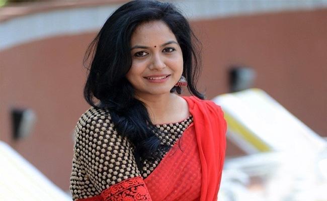 Singer Sunitha To Remain Single!
