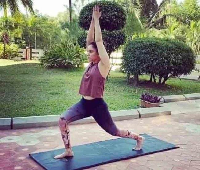 Tamannaah Uses Household Objects To Workout