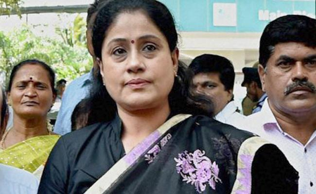 Will Vijayashanti Return To BJP Fold?