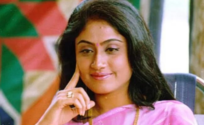 Vijayashanti Wants Removal Of Uttam As PCC Chief?