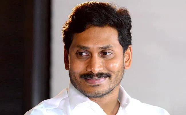 Jagan Hosting Party For All Relatives!