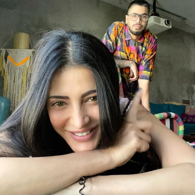 Shruti Haasan Spends Lockdown Time with BF
