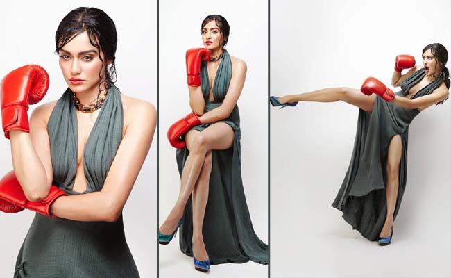 Pics: Sexy Boxing Lady's Buxom Looks