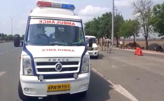 Telangana Stops Ambulances From Andhra Pradesh