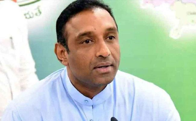 'Scribes should fact-check': Min on Naidu's statement