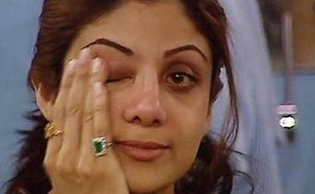 Buzz: Shilpa Shetty Cried In Front Of Cops
