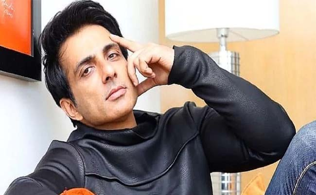Buzz: Sonu Sood's Remuneration Is Rs 7 Cr?