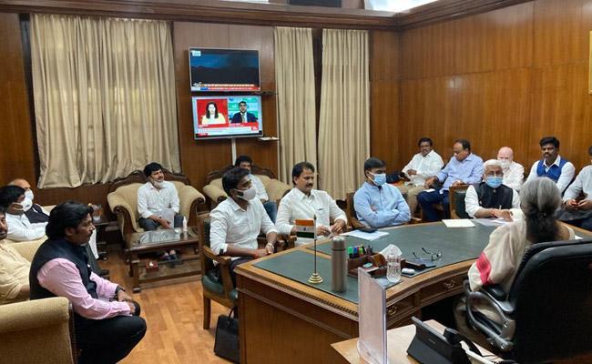 Sai Reddy asks PM to probe Raju-TV5 nexus