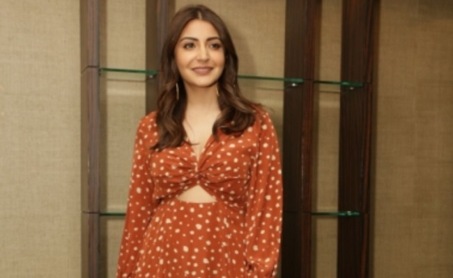 Mom Anushka reveals her 'current favourite accessory'