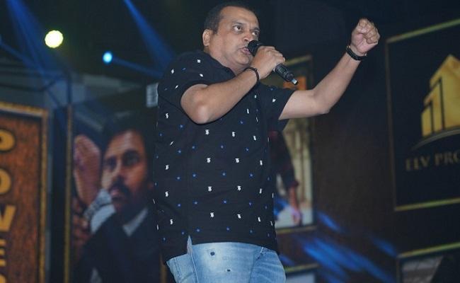 Fans Prefer Bandla Than Pawan Kalyan!
