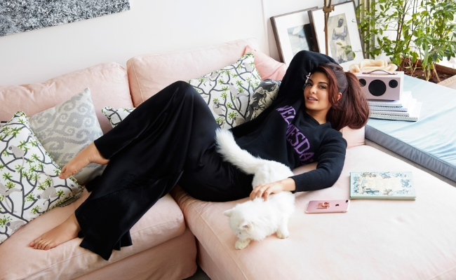 Bollywood Beauty Owns Big Expensive Home