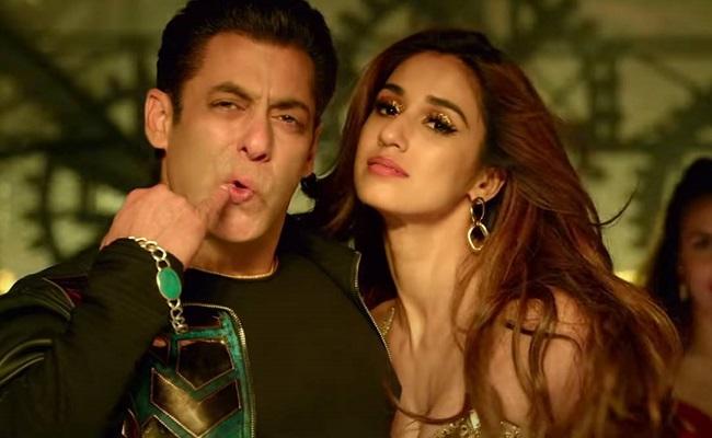 Watch: Salman Khan Poorly Imitates Allu Arjun