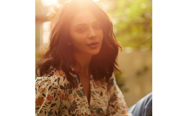 Rakul Preet Shares Her Sunshine Mantra