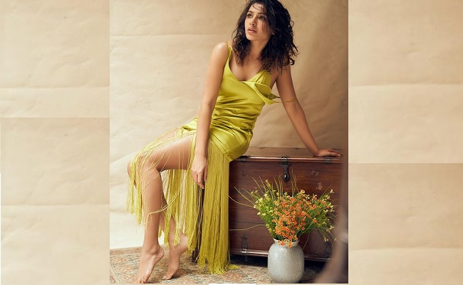 Pic: Samantha Akkineni's Sensuous Leg Show