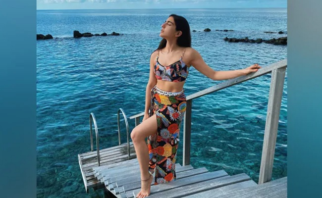 Pics: Another Beautiful Hot Star In Maldives