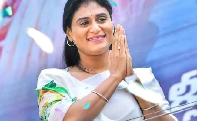 Sharmila strategy: Comparing KCR with YSR