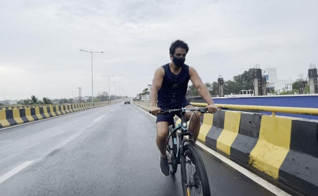 Sonu Sood Cycles His Way to Acharya Shoot