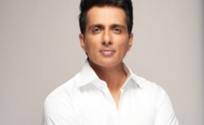 Sonu Sood's Real Time Heroism Continues