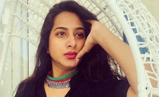 Surekha Vani's 100 Kisses To Pawan Kalyan