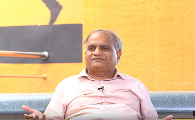 Telakapalli Ravi Too Rejects AP Govt Award