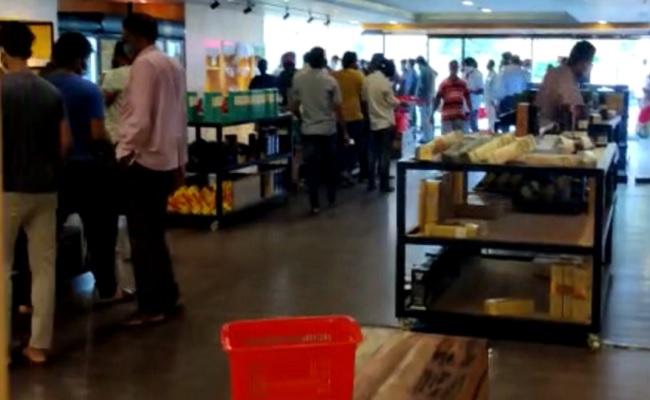 Shocking Liquor Sales In Telangana In 2 Hours