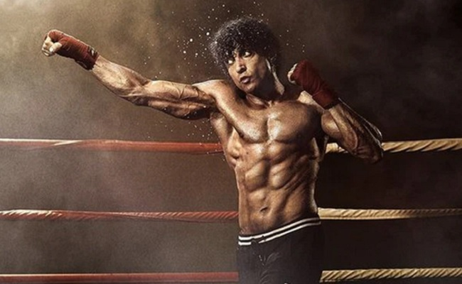 'Toofaan' Review: Routine Punches And Cliched Hooks