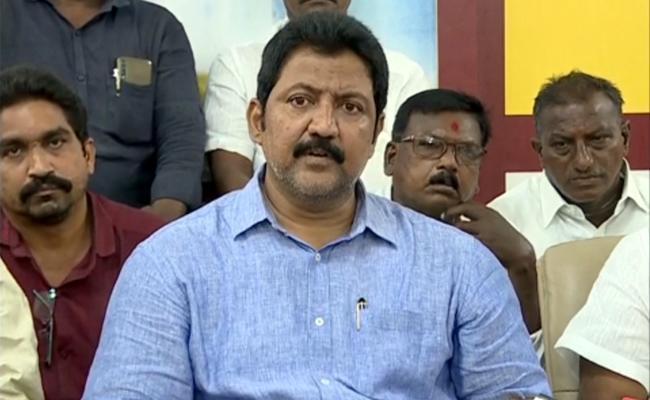 Vijayawada TDP rebels in touch with Vamsi?