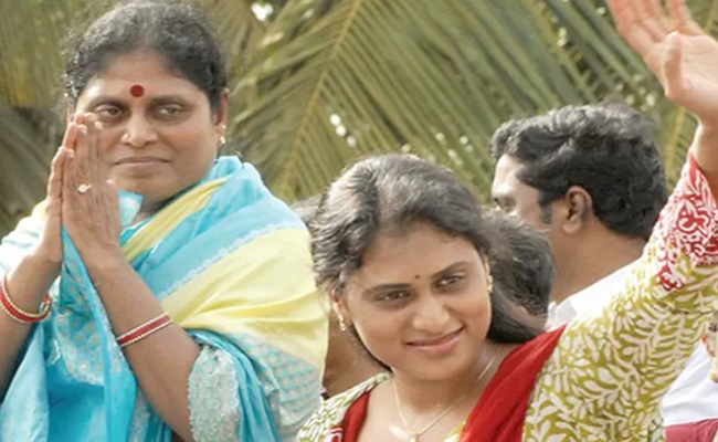 Vijayamma To Launch Sharmila Party?