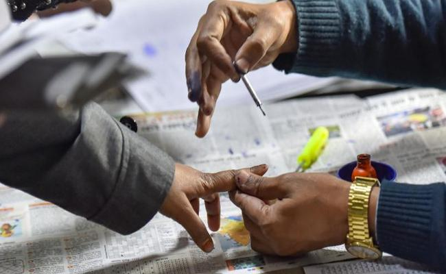 Hectic political activity creates poll-like atmosphere in T'gana