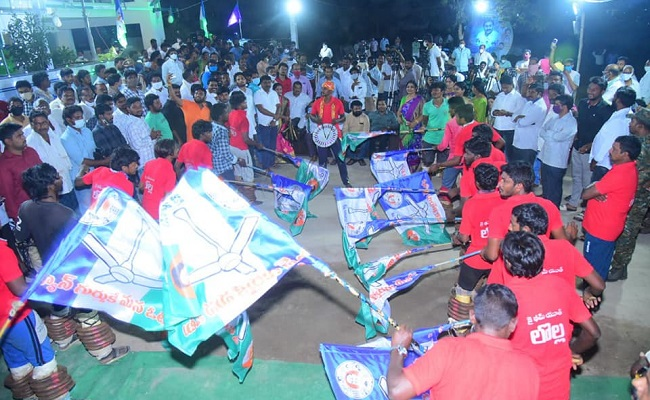 YSRC sweeps panchayat polls in all the four spells